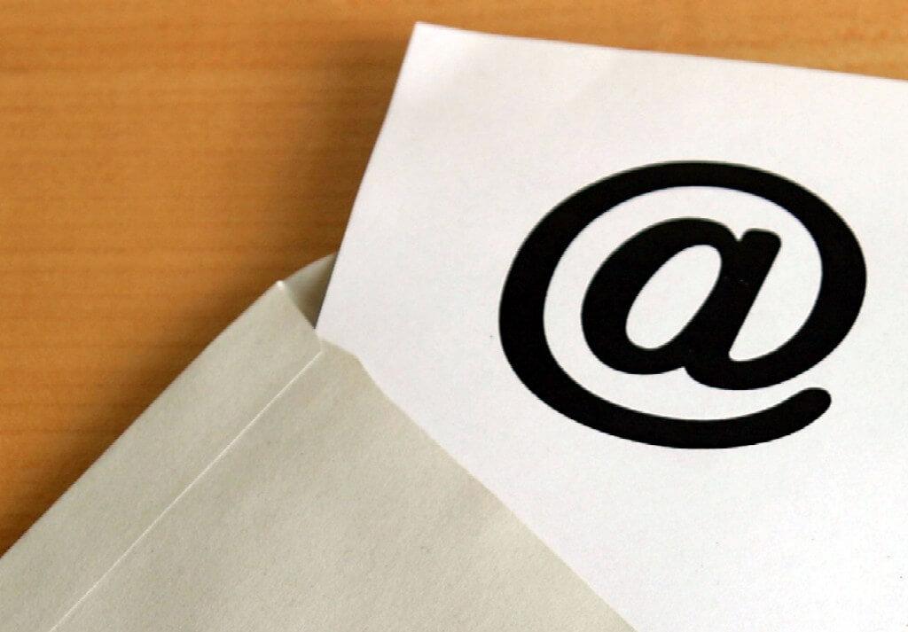 assinatura de email com imagem no Outlook
